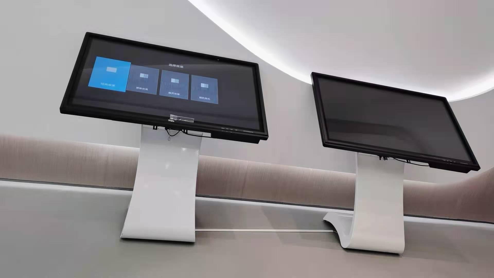 深圳某售楼部55寸3.5mm3x4项目+卧式触摸一体机
